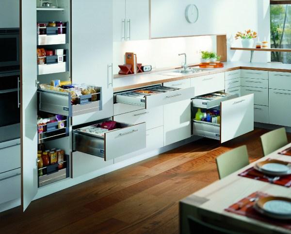 Тонкости декора оконной зоны в кухне