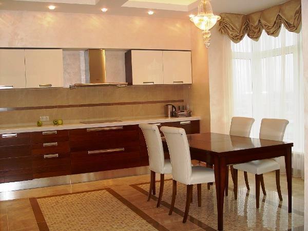 Красивые интерьеры кухонь в бежево-коричневых тонах (+40 фото)
