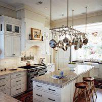 Оригинальные идеи хранения вещей в маленькой квартире: удобные системы хранения, практичные приспособления