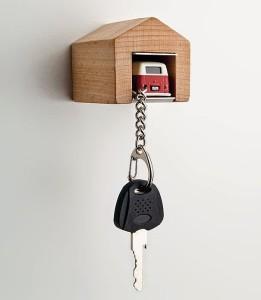 Выбираем для прихожей ключницу